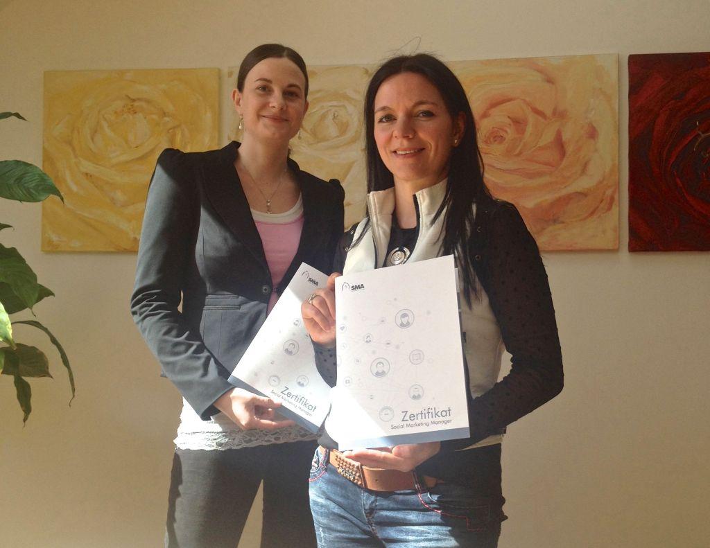 Zertifikat Social Marketing Manager für Anja Lamprecht und Johanna Granig